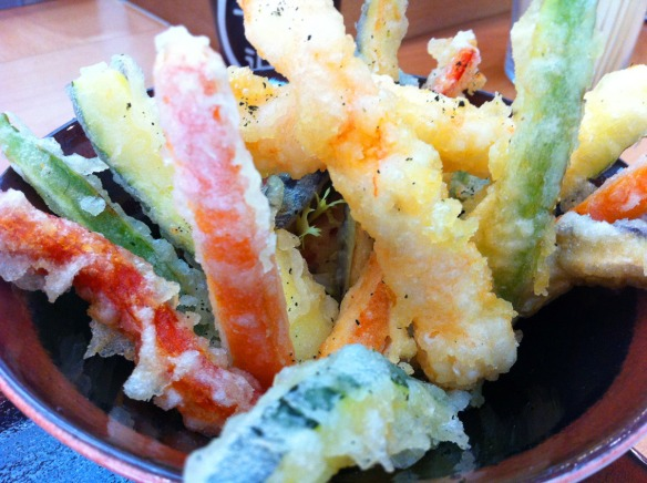 Kike_on_tour_kenji_sushi_bar_restaurante_japones_kenko_sushi_donostia_tempura