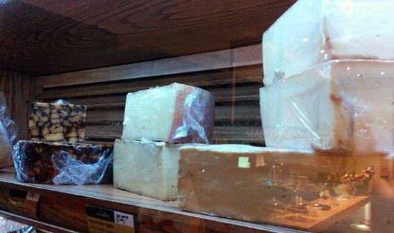 Kike_on_tour_bar_quesos_queseria_cocina_producto_irish_porter_cheese_amelie