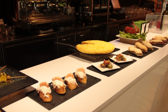 Kike-on-tou-bar-aukera-amara-pintxos-tapas-cocina-temporada-menu-remo-traineras-regatas-barra